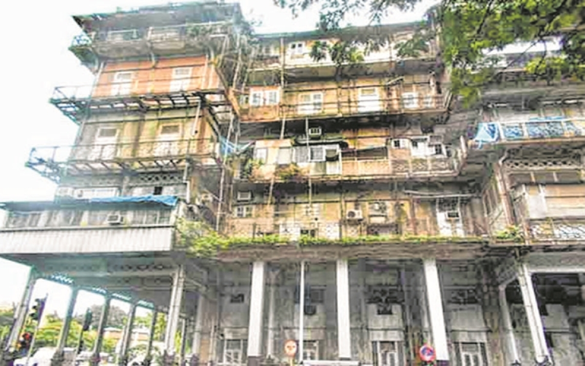 Mumbai: Even after serving notice twice, occupant of Esplanade mansion did not vacate