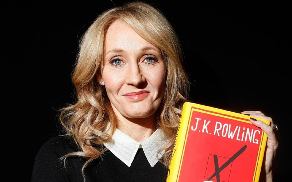 JK Rowling calls out Donald Trump over typos, declares him 'the Gratest Writer'