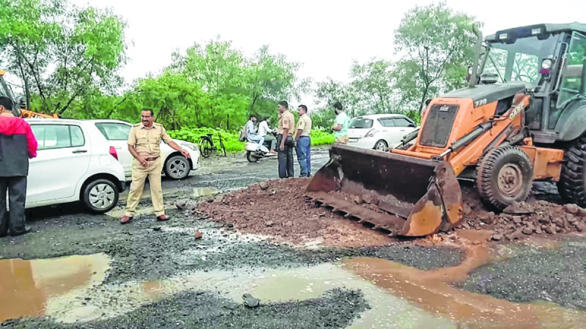 Civic officials forced to forgo day off to resolve problem