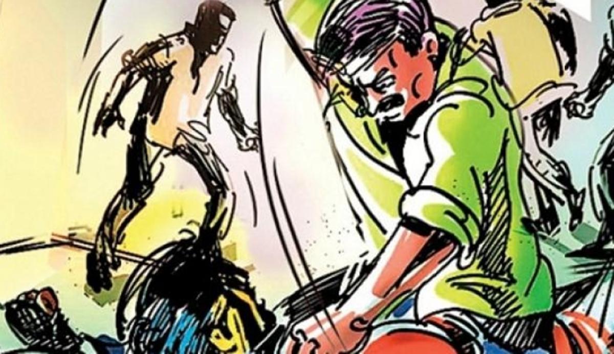 Uttar Pradesh: Over a dozen injured as police, lawyers clash on Lucknow-Faizabad Highway