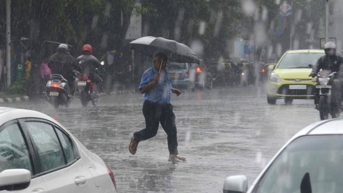 Mumbai Rains Latest Updates: Mumbai will also continue with on and off rain today