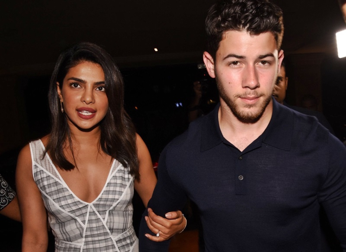 Ahead of engagement, Priyanka Chopra-Nick Jonas enjoy dinner date with families; see pics