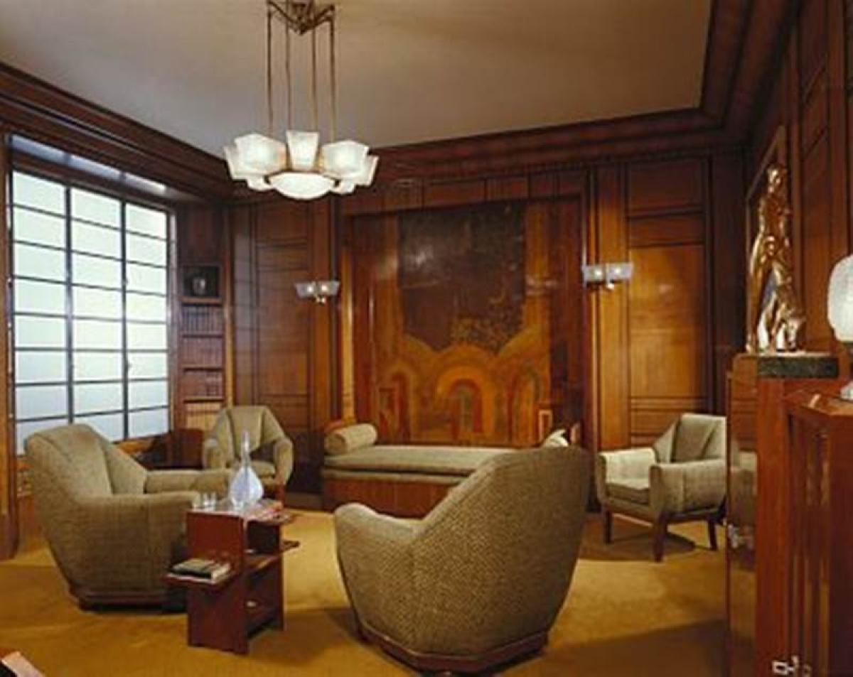 Mumbai's art-deco furniture take centresatge in online auction