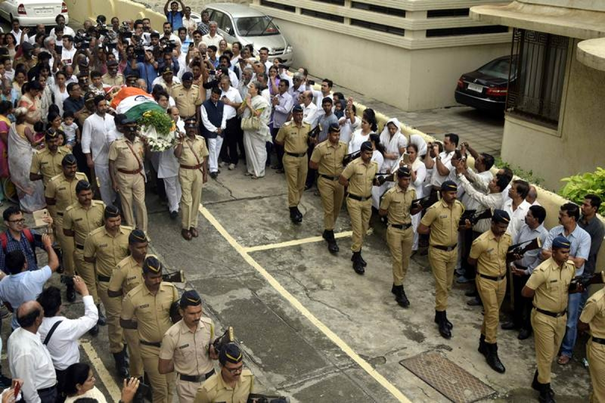 Former Indian skipper Ajit Wadekar's funeral procession (Photo by Bhushan Koyande)