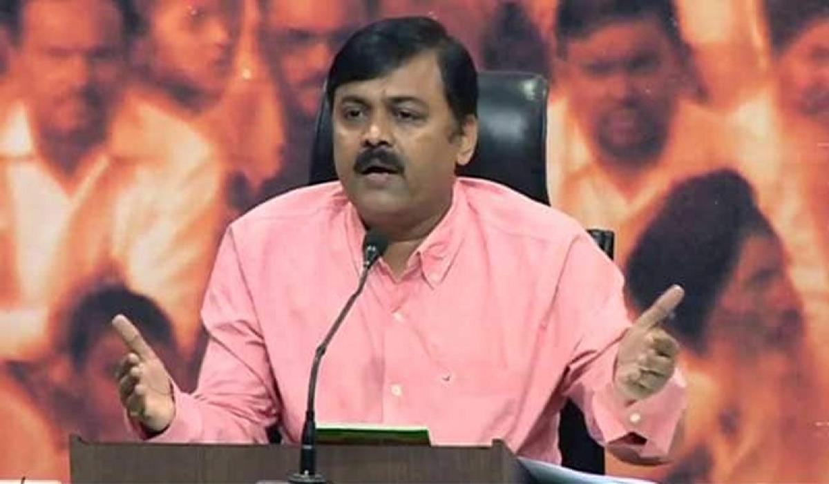 Delhi: Shoe hurled at BJP's GVL Narasimha Rao during presser