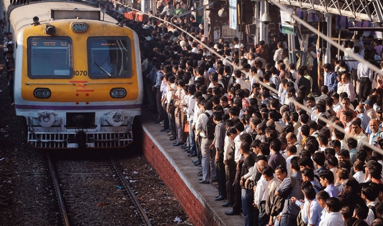 OHE glitch: Harbour Line commuters fume, as 25 trains cancelled, 80 delayed
