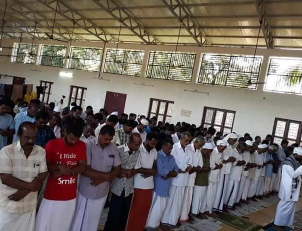 Kerala Flood: Temple lets Muslims celebrate Eid-al-Adha in its hall