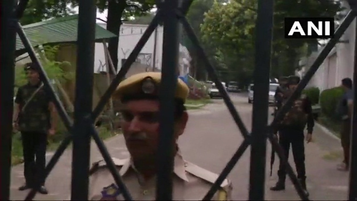 Jammu and Kashmir: Man shot down by security personnel after he tried to enter Farooq Abdullah's residence