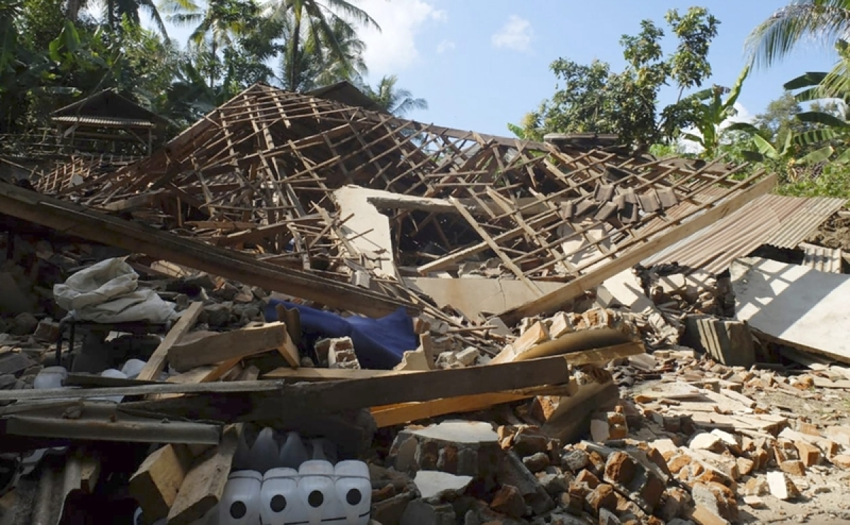 1200 tourist being evacuated from Indonesia post earthquake