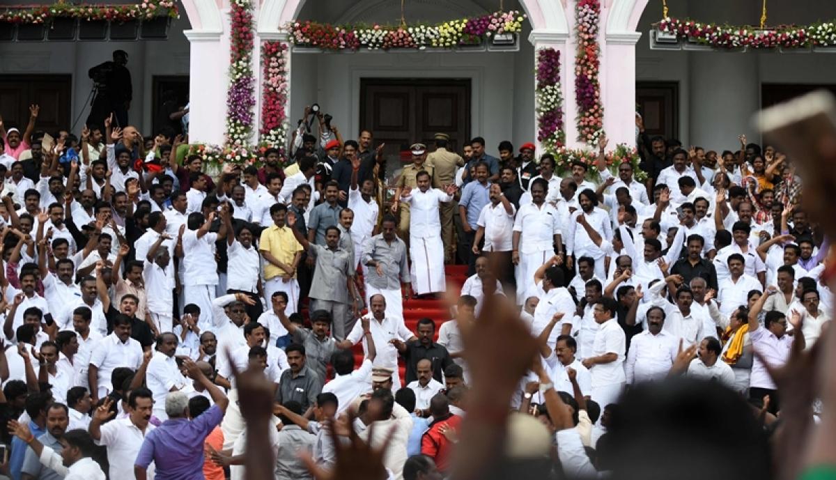 Karunanidhi funeral: 2 dead, 35 injured in stampede outside Rajaji Hall