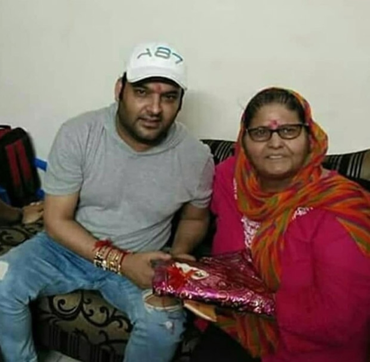 Kapil Sharma snapped during Raksha Bandhan and he is looking shockingly different; see pics