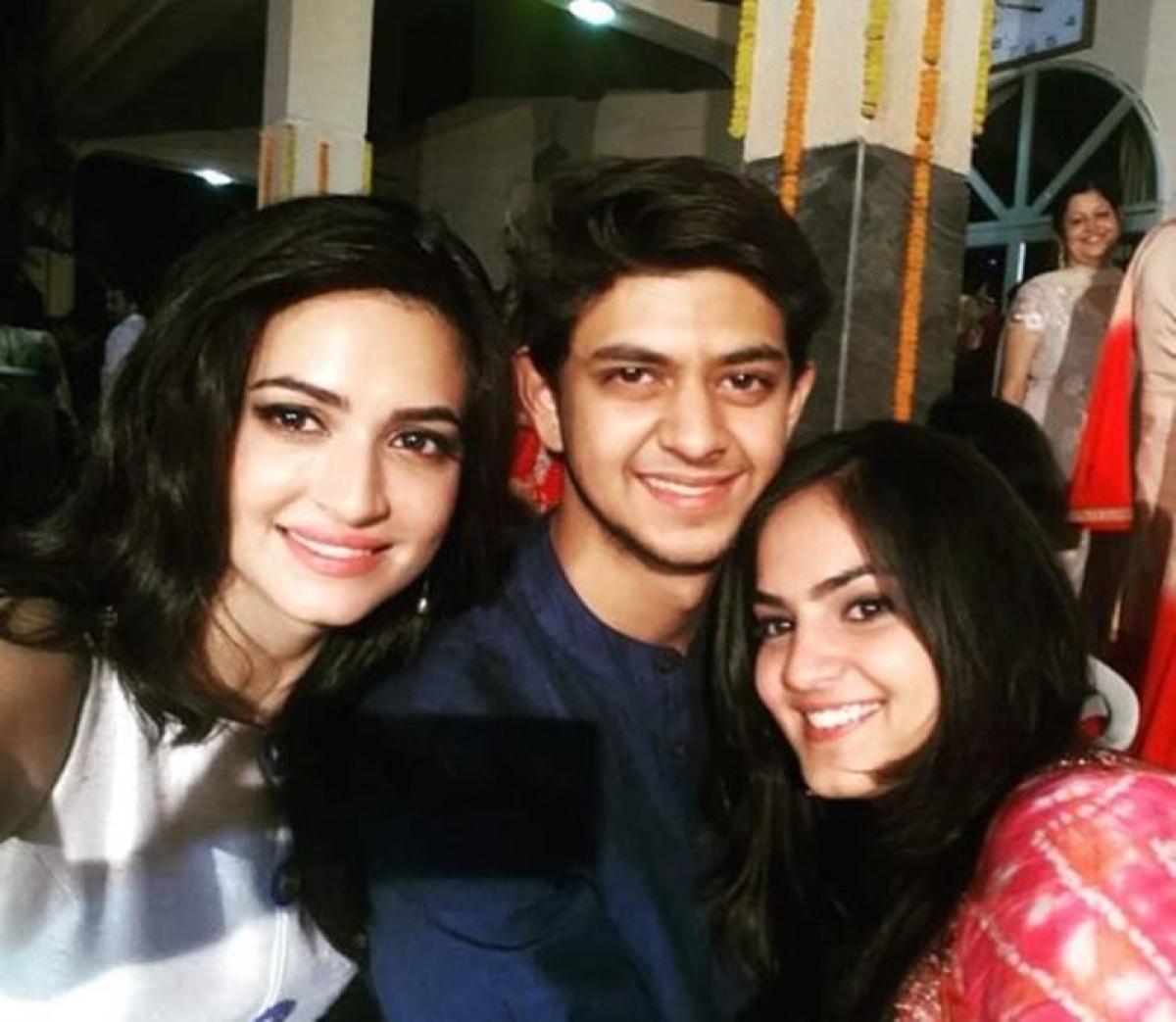 Bhai Dooj 2019: Bollywood celebs and their siblings you ...