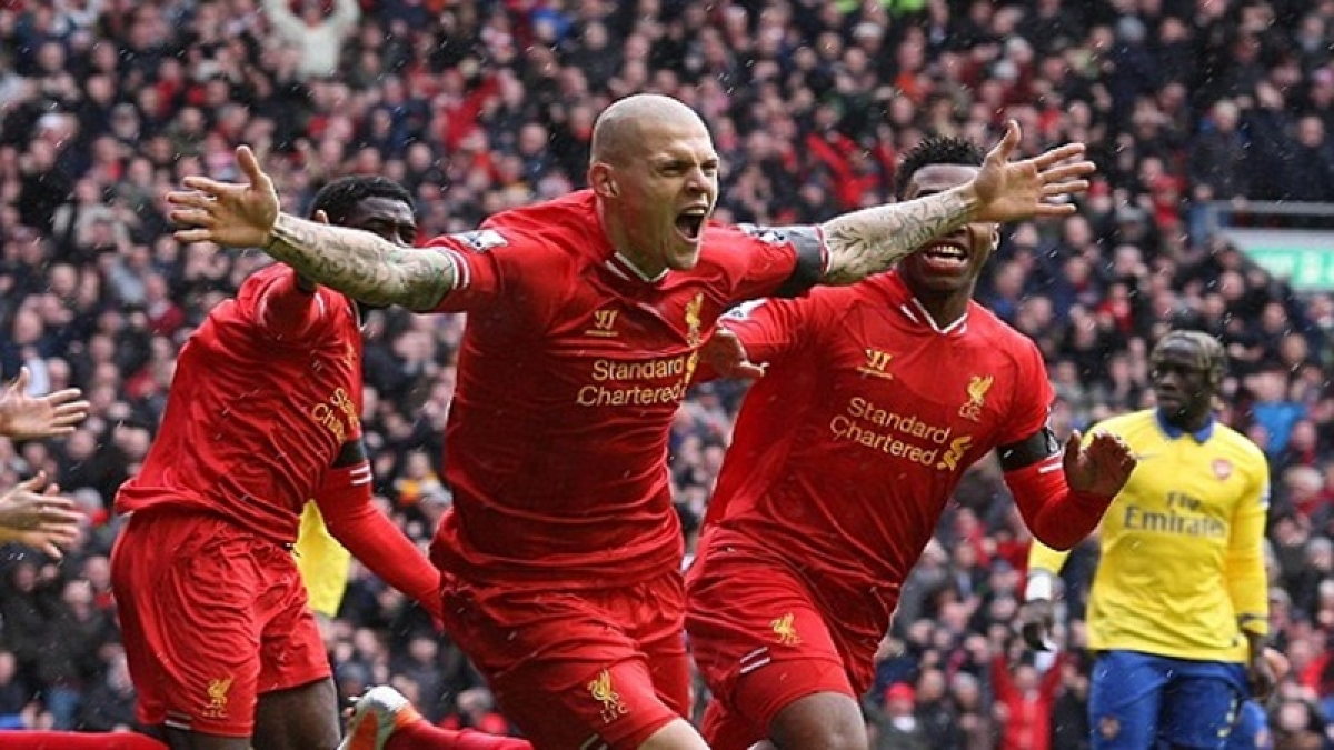 Premier League: Salah steers Liverpool on top