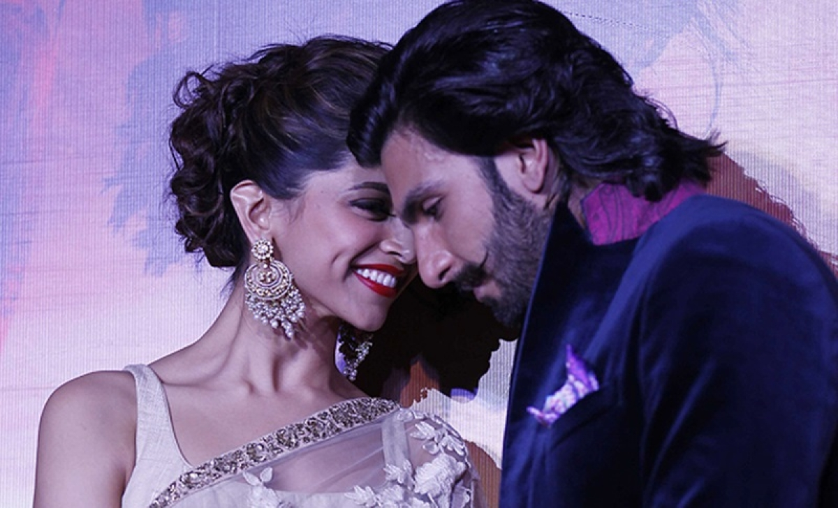 Check out Ranveer Singh's reply to Deepika Padukone's 'naughty' question
