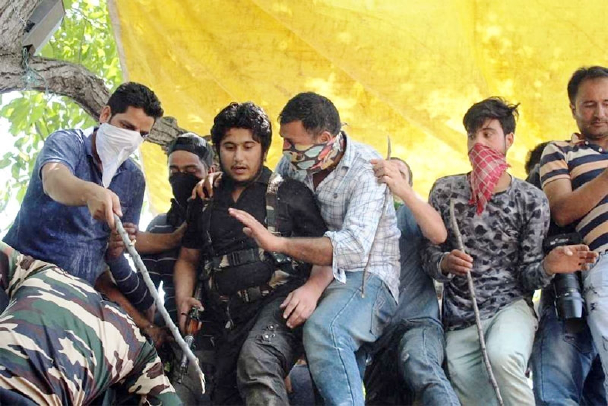 LeT's Naveed Jatt emerges at militant's funeral in Shopian