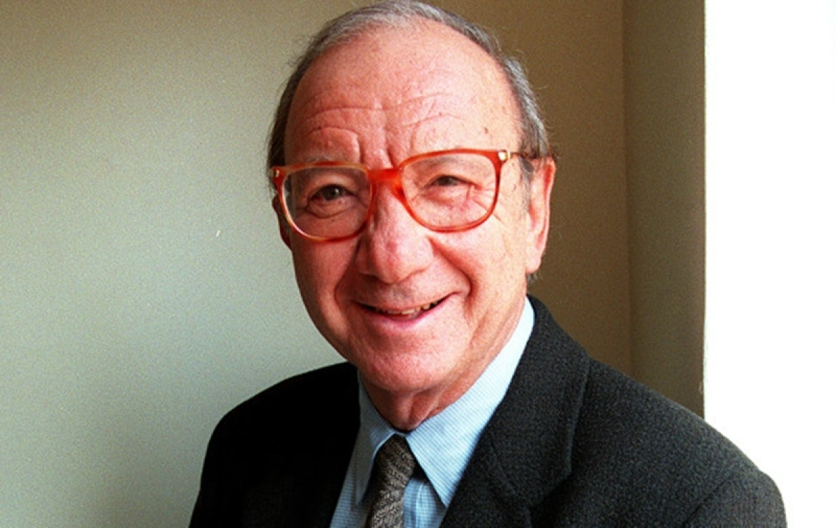 Pulitzer Prize-winning playwrighter Neil Simon dies at 91