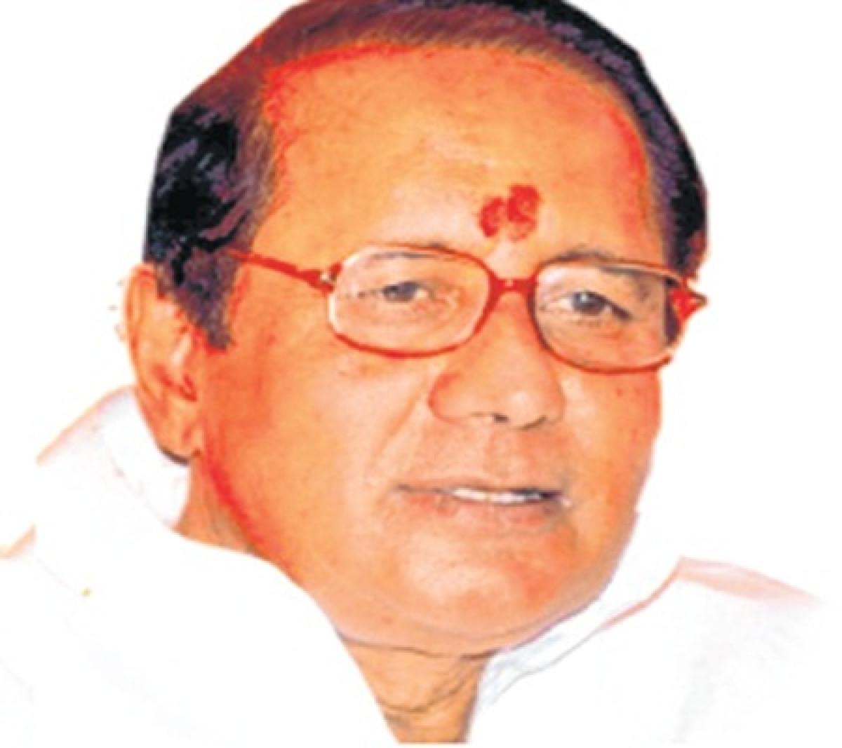 Bhopal: Deputy Speaker Rajendra Singh alleges back door recruitment in assembly