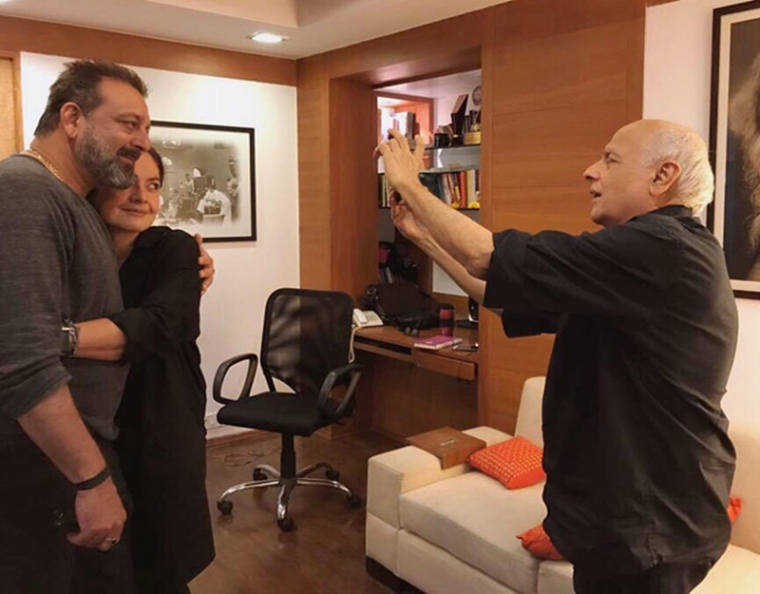 'Sadak 2' : Sanjay Dutt and Pooja Bhatt hug it out before kicking off the first schedule of the sequel