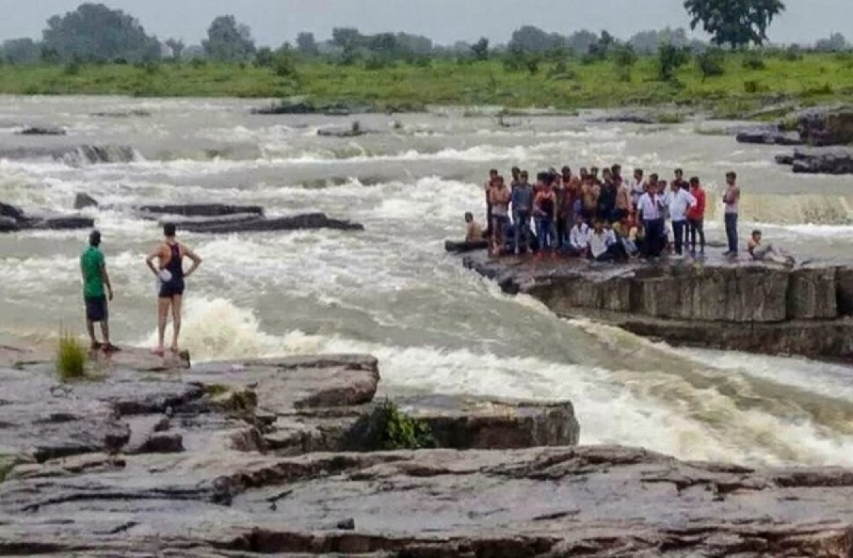 Madhya Pradesh: 11 dead in flash flood at Shivpuri, 45 saved as rescue operation continue