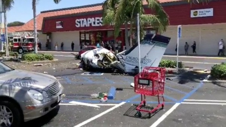 US: 5 killed as small plane crashes in mall parking in California