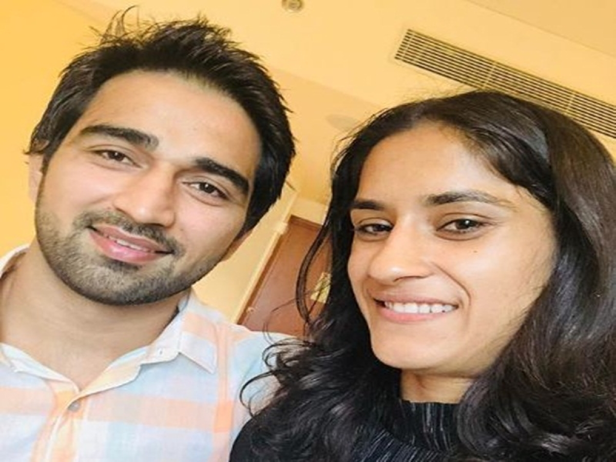 This Instagram post clears all rumours of Vinesh Phogat's alleged affair with Neeraj Chopra, have a look