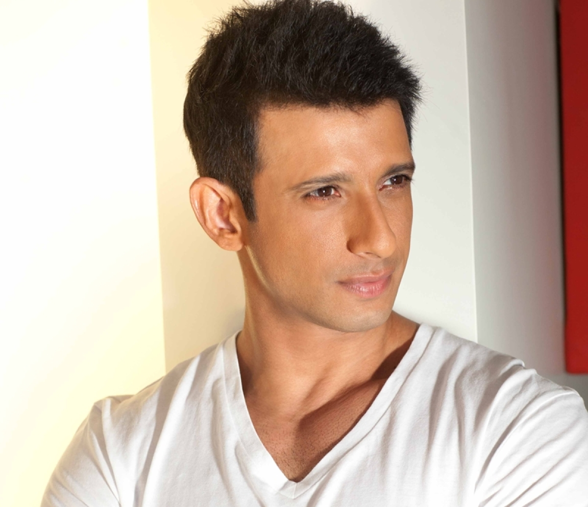 Sharman Joshi: A book needs to capture my attention