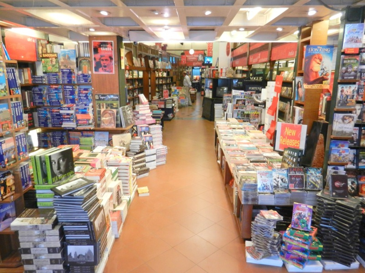 Oxford: Oxford Bookstore in Kolkata exudes homely feel