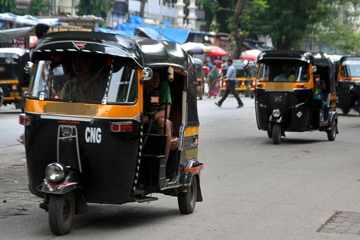 Maharashtra: Political activist molested in auto-rickshaw; hunt on for 3 accused