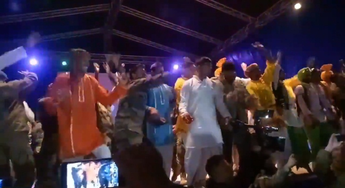 Watch! Indian and Pakistani soldiers dance together on Bollywood songs in Russia
