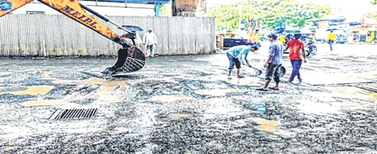 Mumbai Potholes: For BMC, hot mix is three times 'cooler' than cold mix