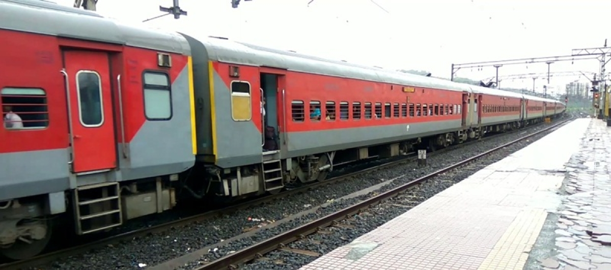 Thane: Man held for robbing passenger on express train