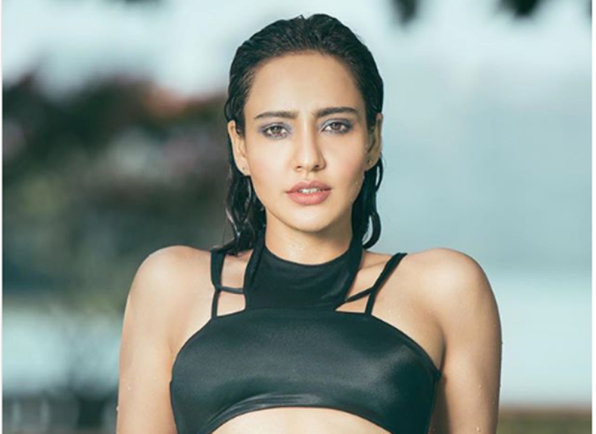 Neha Sharma's hottest picture in black bikini will make you fall in love with her