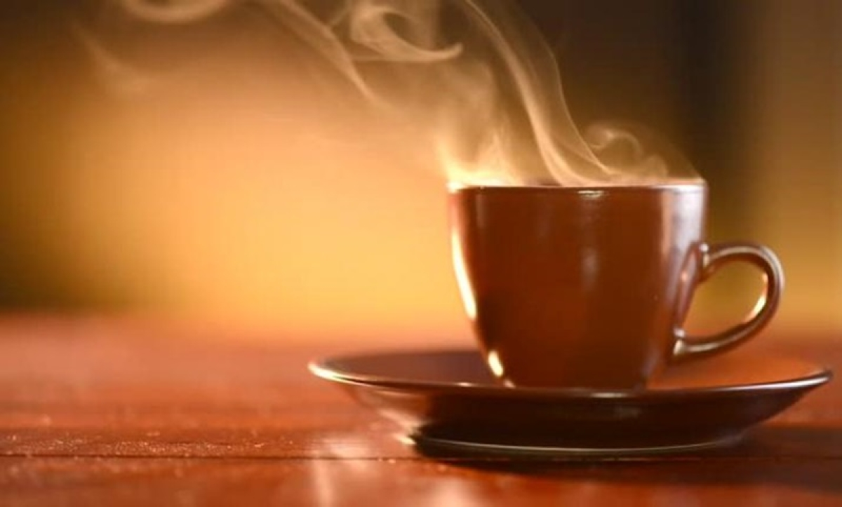 Thane doctor booked for throwing hot tea at wife