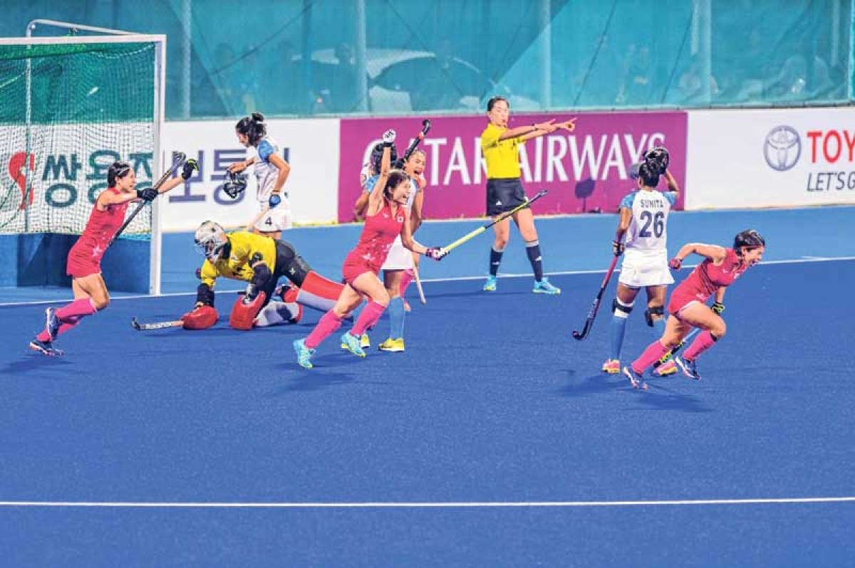 Asian Games : After exit of men's team in semis, Indian eves stumble against Japan in summit clash