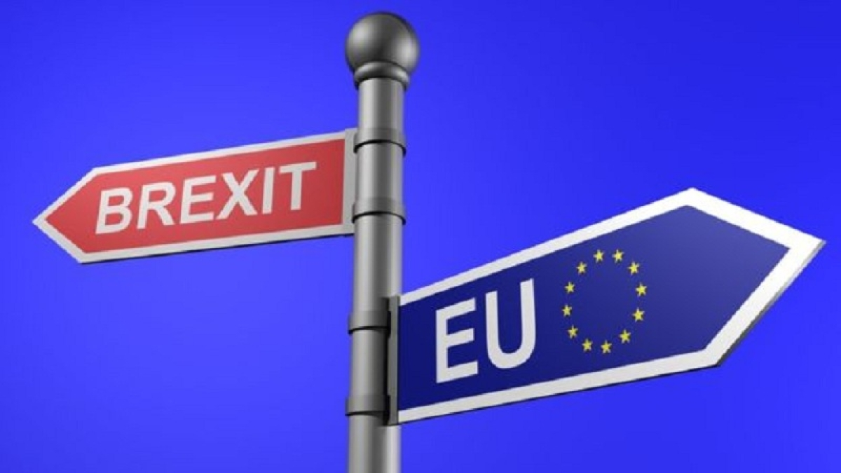 UK seeks Brexit extension