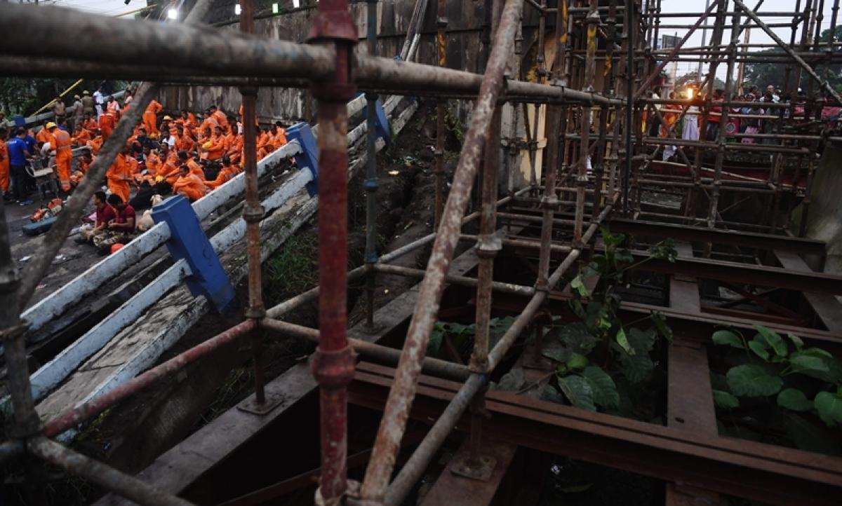 Kolkata: Another bridge collapses in West Bengal, 1 injured