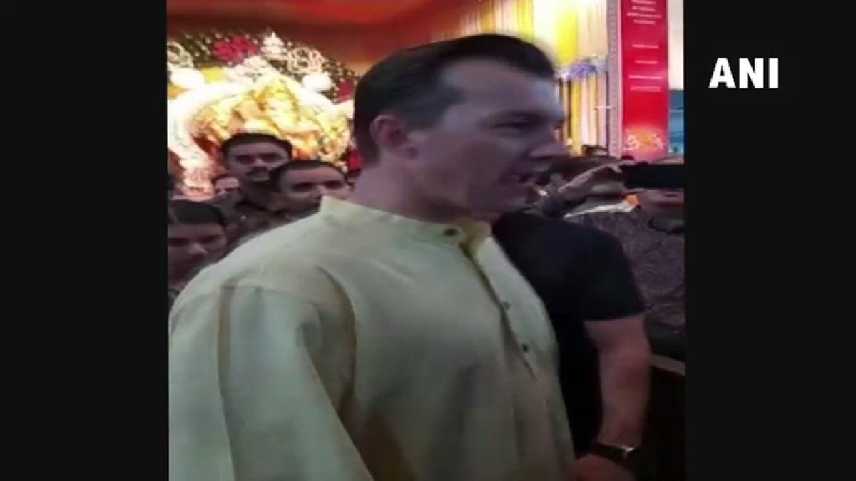 Ganesh Chaturthi 2018: Brett Lee seeks blessing from Sion's GSB Seva Mandal's Bappa in Mumbai; see pics