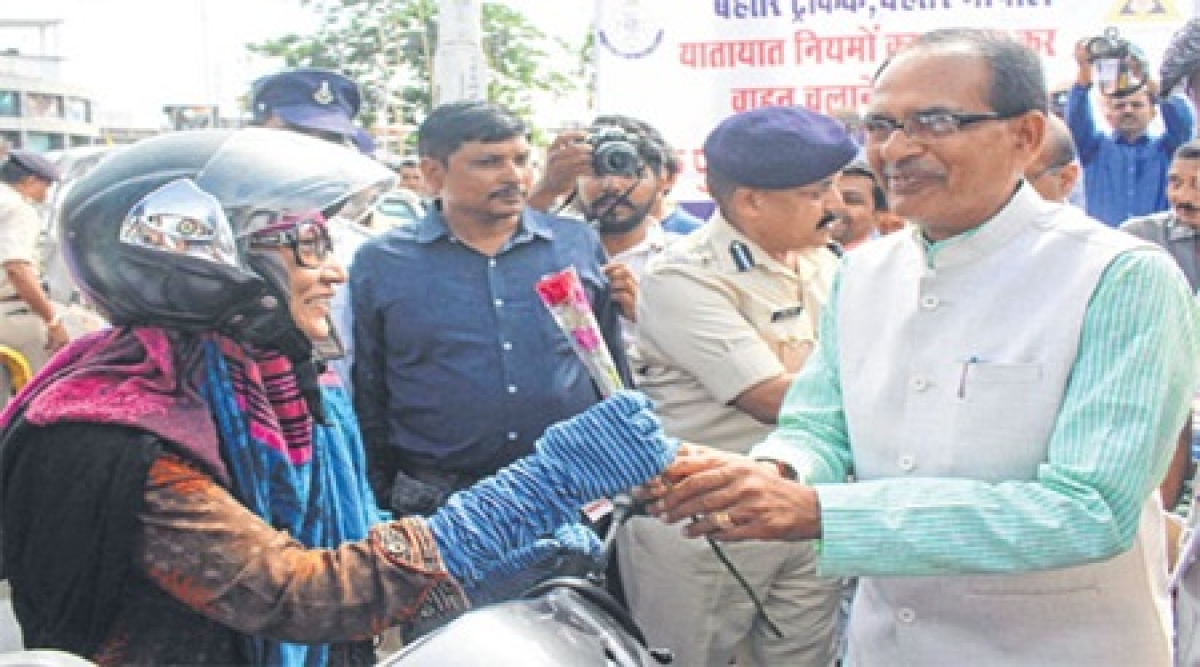 Bhopal: CM launches state-wide traffic awareness, road safety & rules adherence campaign