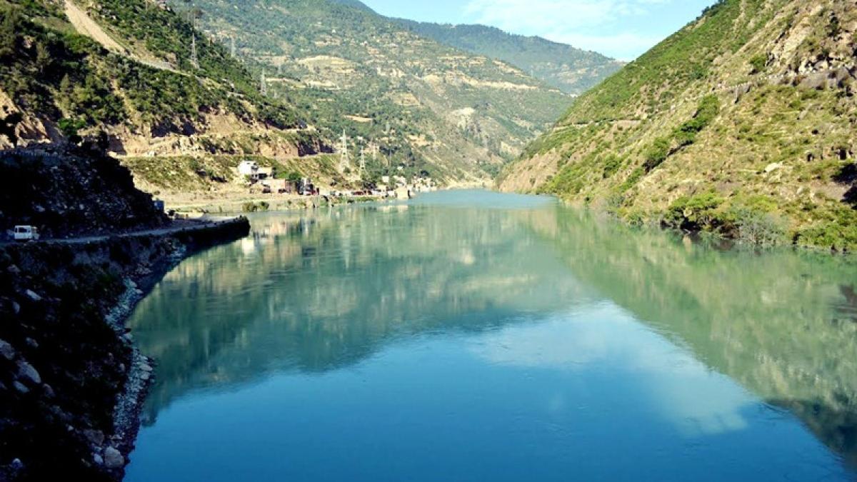 Bhopal: Make permanent arrangement to release Narmada water into Kshipra: CS