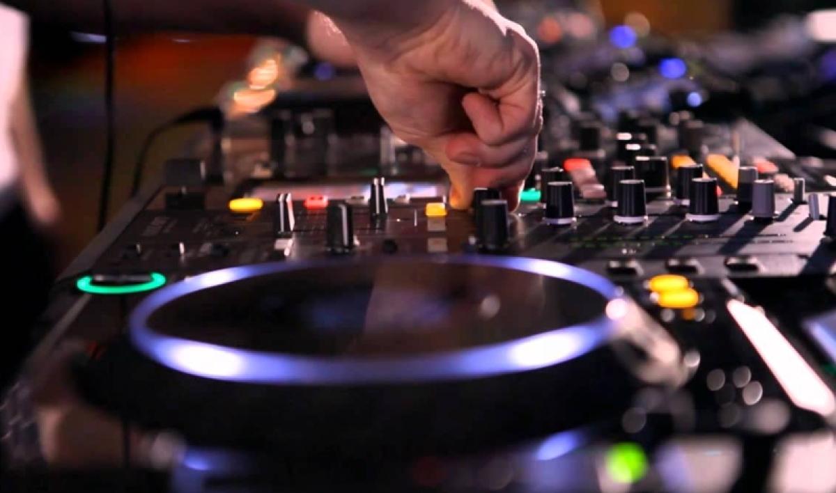 No DJ, Dolby system during Ganapati immersion, Navaratri in Maharashtra: Bombay HC upholds ban