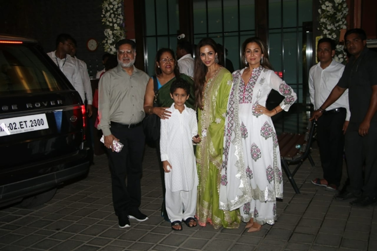 Malaika Arora, Amrita Arora and family at Mukesh Ambani's house. Photo By: Viral Bhayani