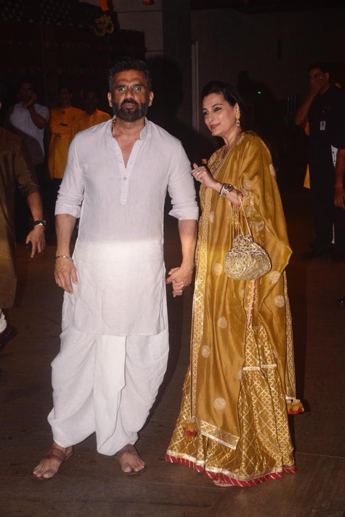 Suniel Shetty and his wife Mana Shetty at Mukesh Ambani's house. Photo By: Viral Bhayani