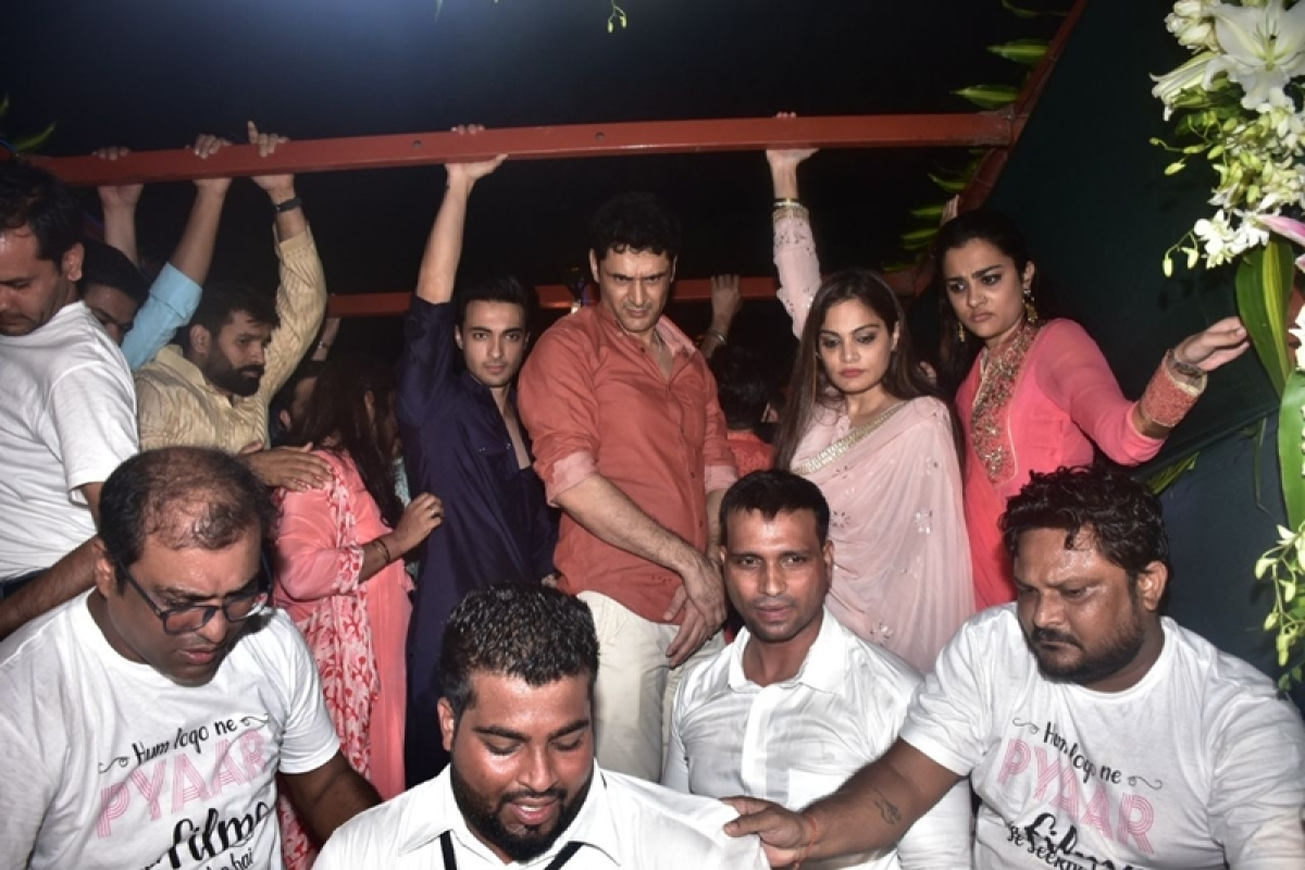 Ganesh Chaturthi 2018: Salman Khan's sister Aprita Khan, Aayush Sharma bid adieu to Ganpati Bappa; see pics