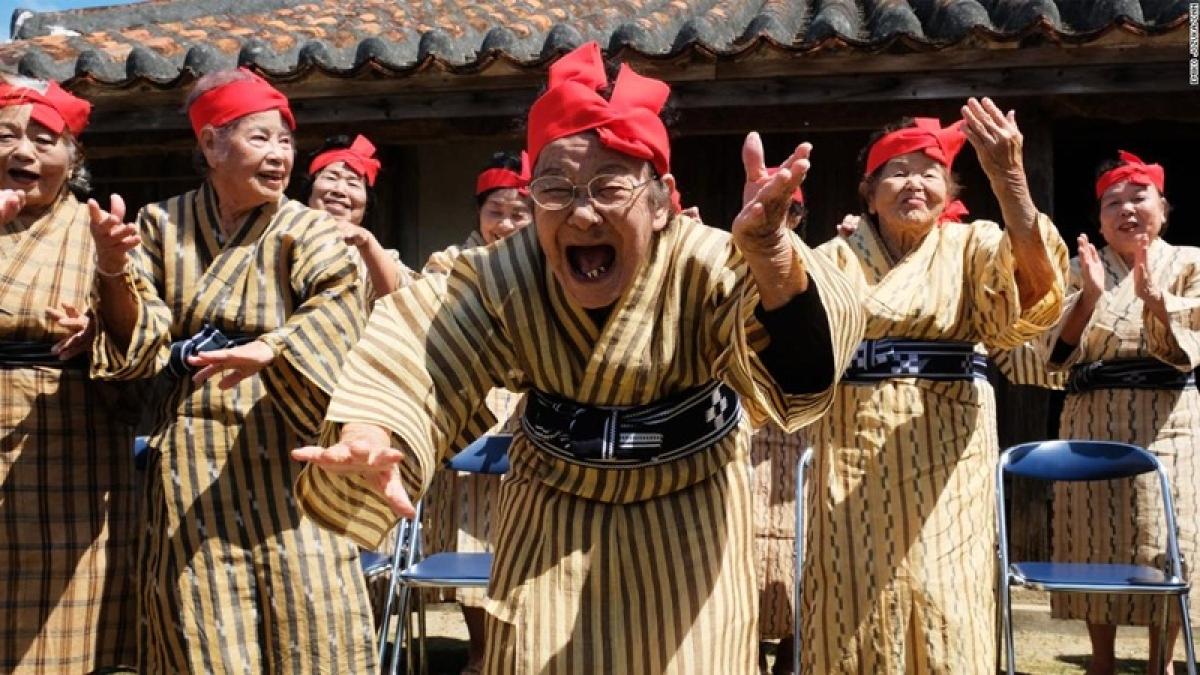 Japan has record 69,785 centenarians