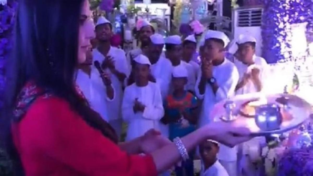 OMG! Katrina Kaif gets mercilessly trolled for performing Ganpati aarti in wrong way