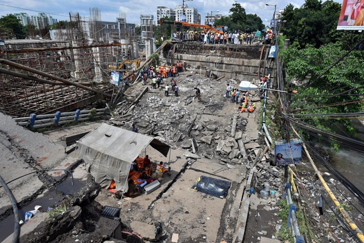Kolkata bridge collapse: Death toll rises to three, NDRF calls off rescue