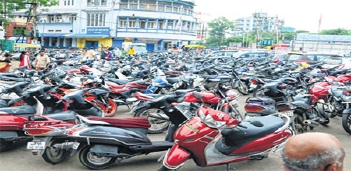 Bhopal: Multi-level parking facility fails to decongest New Market