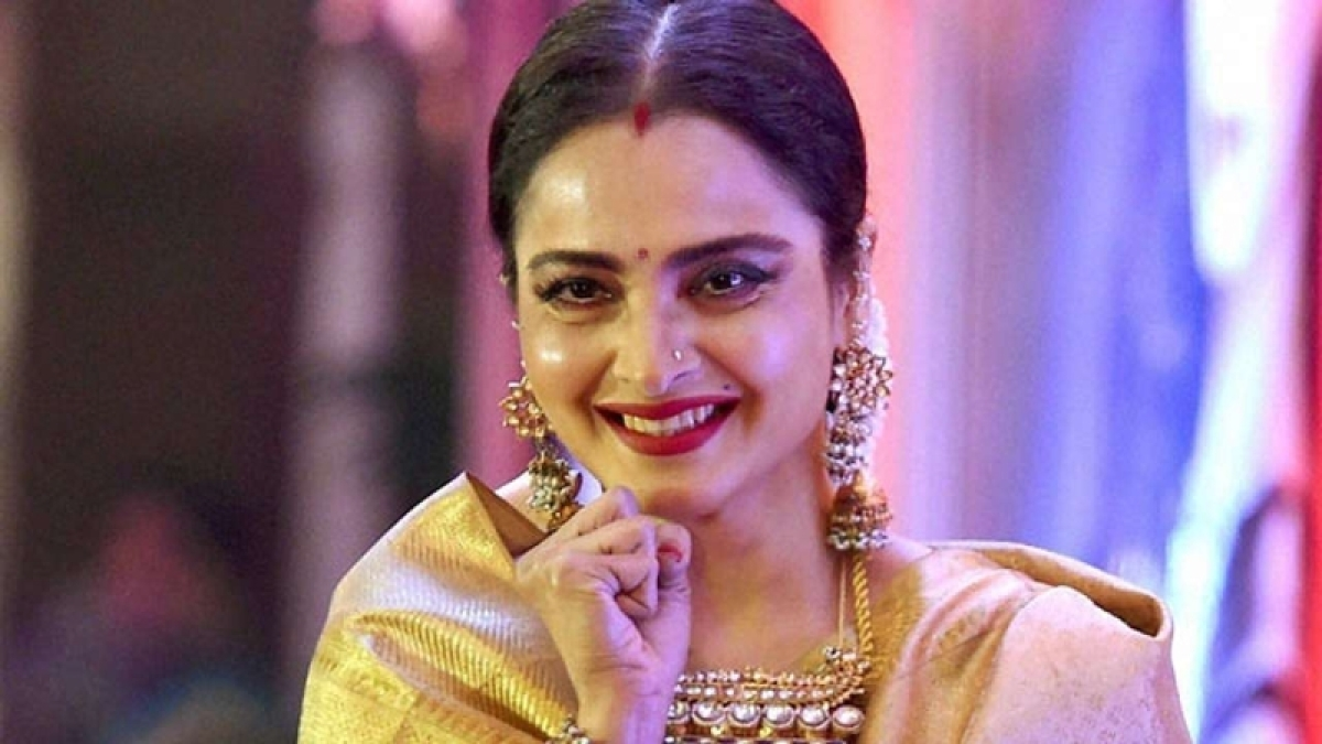 Behind Bollywood Dreams! Ageless Rekha's unique journey to stardom