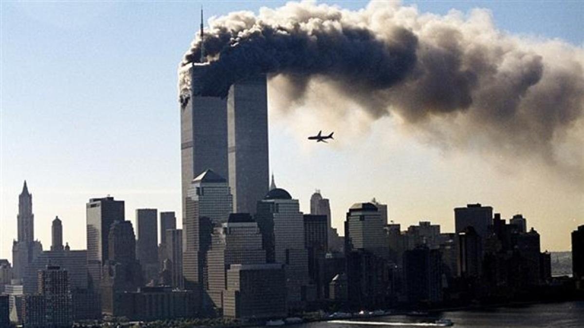 9/11 glowing tribute bamboozles, kills 160,000 birds