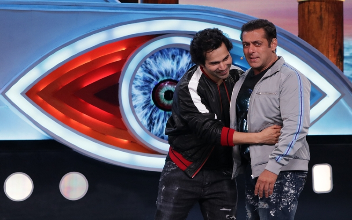Bigg Boss 12 Weekend Ka Vaar: Varun Dhawan raps for Salman Khan, housemates get big news